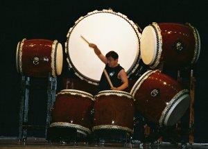 グラミショー受賞の 「中村浩二」 太鼓奏者